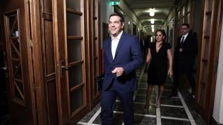 """Ципрас обещава на гърците ново """"разхлабване на коланите"""""""