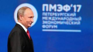 Сноудън не е предател според Путин, не бил прав да разкрива US шпионски тайни