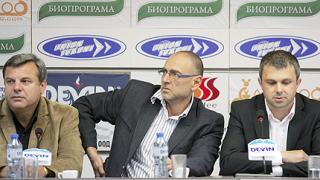 Дилов-син с остри упреци към Костов за десния провал