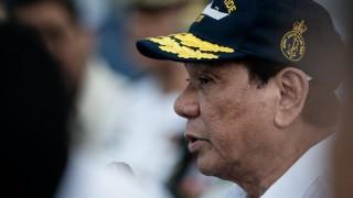 Русия дарява калашници, боеприпаси и военни камиони на Филипините