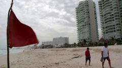 """Бурята """"Ърл"""" в Карибите прерасна в ураган първа категория"""