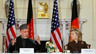 Няма да изоставим народа на Афганистан, увери Хилъри
