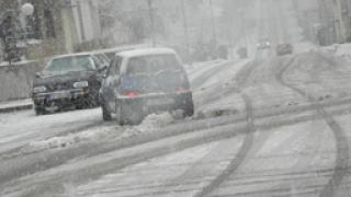 Над 60 коли се сблъскаха при верижна катастрофа в Канада