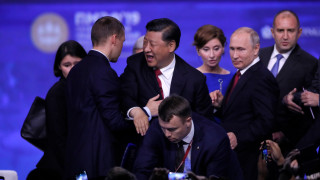 Си Дзинпин: Тръмп е мой приятел, готови сме да споделим 5G технологията си