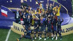 Еуфория във Франция при посрещането на световните шампиони (ВИДЕО)