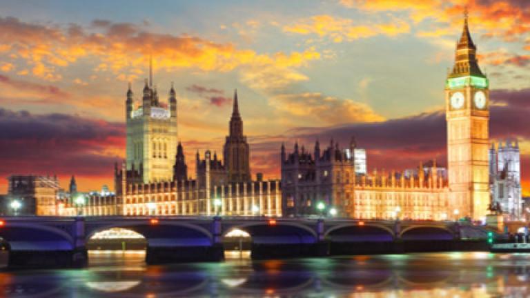 Британски депутати предупреждават, че Уестминстърският дворец е в критичен риск