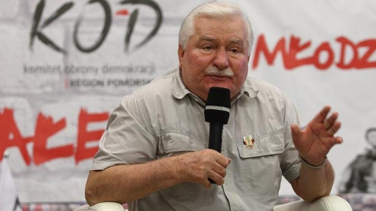 Полски съд постанови Лех Валенса публично да се извини на лидера Ярослав Качински