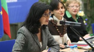Младите в НДСВ искат Кунева за президент