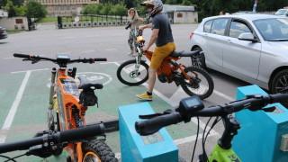 Столичани грабнаха електрическите колела и тръгнаха по Витоша