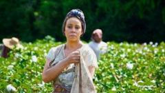 Превърнаха Марая Кери в робинята Изаура