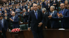 Ердоган предрича скорошен край на ЕС и пак плаши със стотици хиляди бежанци