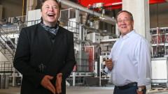 Мъск: Tesla иска да започне производството в новата Gigafactory преди края на годината