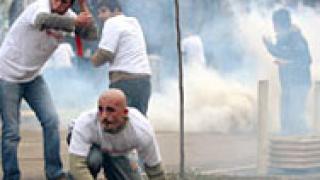 Сърби щурмуват съда в Косовска Митровица