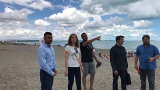 Ангелкова доволна от поддръжката на плажовете в Бургас