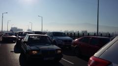 Обмислят забрана за движение на колите без катализатори