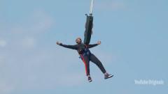 Защо Уил Смит скочи от хеликоптер на рождения си ден