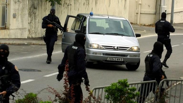 Италианската полиция конфискува 8 луксозни вили, незаконно построени в Рим