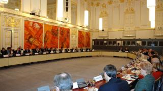 Брюксел няма да ни отнема правото на глас в ЕС