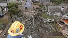 Петима загинали след торнадо в Алабама