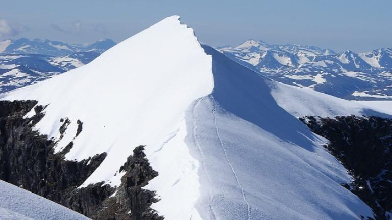 Най-високият връх на Швеция - ледник на южния връх на