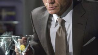 Даниъл Крейг ползвал водка за да се топли