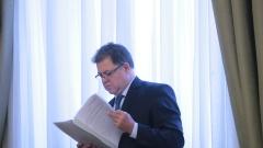 Румен Радев препоръчал ремонта на двигателите в Полша, твърди Ненчев