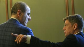 Румен Радев да се свърже с Цацаров и да види кой лобира