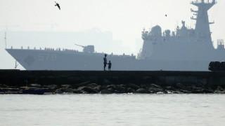 Разрушителите на САЩ да напуснат Южнокитайско море, предупреди Китай