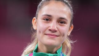 Министър Кузманов поздрави олимпийската шампионка Ивет Горанова