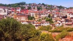Във Велико Търново подменят каменни стълбища с бетон