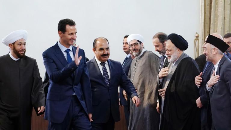 САЩ се занимават с разграбването на петролни находища в Сирия,