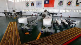 Пентагонът: САЩ одобри още продажби на оръжия за $2,37 млрд. за Тайван