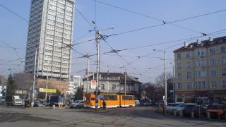 """Временно бяха спрени трамваите между пл. """"Македония"""" и """"Овча купел"""" в столицата"""