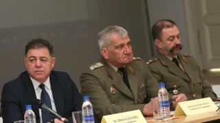 И пехотата ни зависима от Русия, иска превъоръжаване