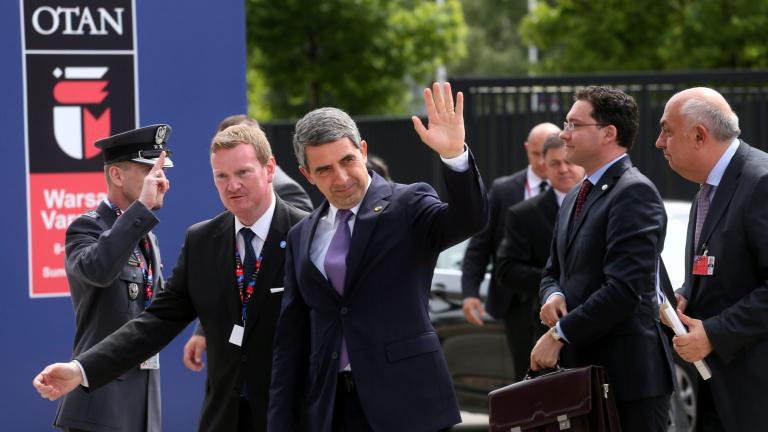 По-силно присъствие на НАТО в Черно море иска Плевнелиев във Варшава