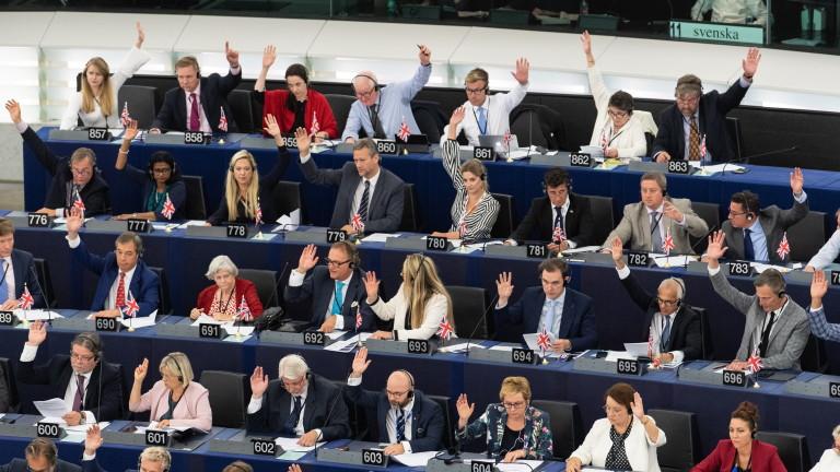 Европейският парламент одобри отлагане на Брекзит, ако бъде поискано, съобщават