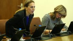 Вицепремиерът Марияна Николова е новият шеф на Тристранката