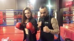 Фолкпевицата Ашли се запали по бокса (СНИМКИ)