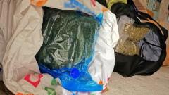 """Полицаи на летище """"София"""" откриха дрога в раницата на пътник"""