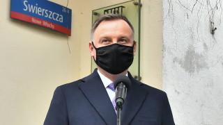 """В Полша писател го грози затвор, защото нарекъл президента """"дебил"""""""