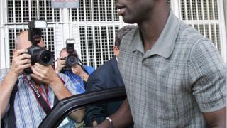 Тюрам подписа с Барселона