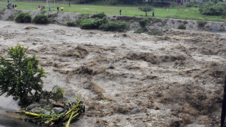 Тропическата буря Хенри остави без ток над 130 хил. души в Роуд Айлънд