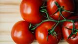 Индия има голям проблем с инфлацията и доматите
