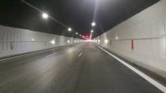 """Ограничават движението в тунел """"Топли дол"""" в посока Варна в една лента"""