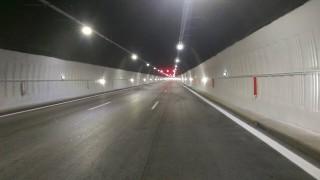 """В тунел """"Топли дол"""" към Варна има повреда в осветлението"""