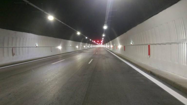 """Временно движението по АМ """"Хемус"""" край тунел """"Витиня"""" е в изпреварващата лента"""