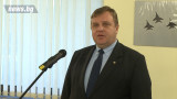 Каракачанов умерен оптимист за армията и модернизацията й