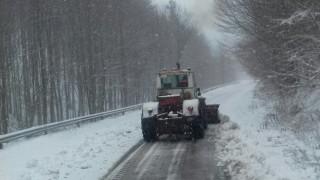 Военни разчистват пътищата в Белене
