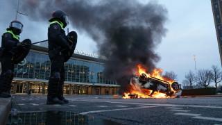 Подозрения за умишлена експлозия на място за тестване за COVID-19 в Нидерландия