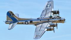 Седем загинали след катастрофа на бомбардировач B-17 в САЩ